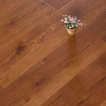 OAK Synchronized Laminate Flooring Featured Image