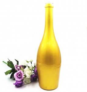 Glass Wine Bottles with Yellow Electroplating Color