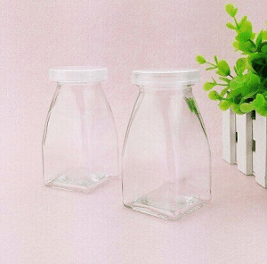 mini square glass pudding bottle
