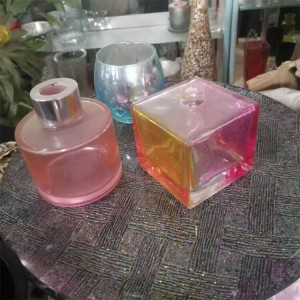 30ml square empty clear glass perfume bottle with pump spray