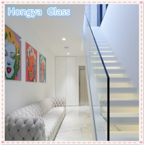 Great high quality closed balcony railing laminated glass