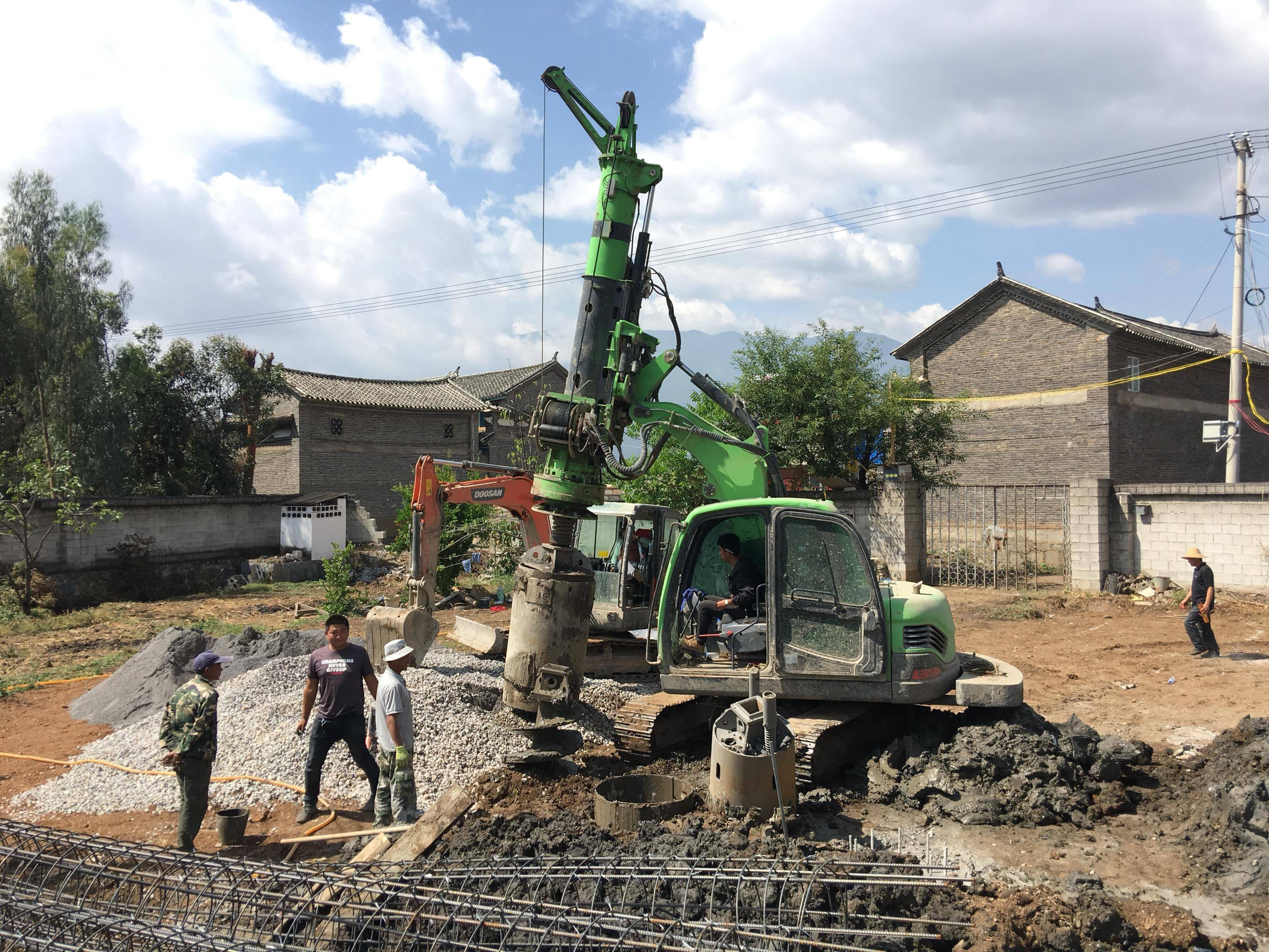 Construction of civil houses in Dali of KR40 Small rotary drilling rig machine