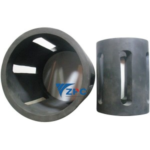 Wear resistant and high temperature resistant silicon carbide separator and liners