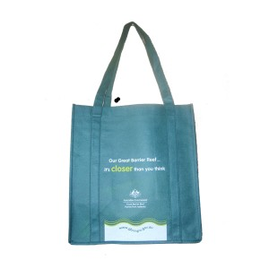 Handbag in nonwoven material