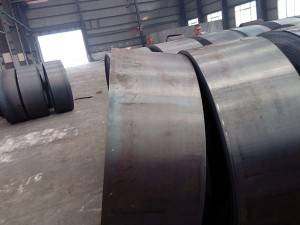 Hot Rolled carbon steel coil with material SS 400 Black steel coil
