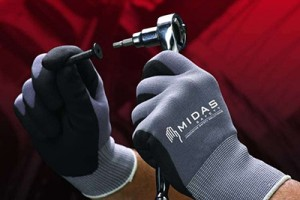 The importance of comfort and dexterity when choosing safety gloves