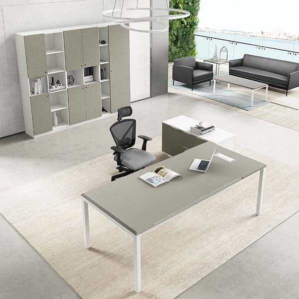 Saosen atwork Manager desk.  N3 executive table with powder finishing Featured Image