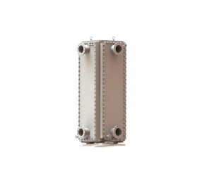 HT-Bloc heat exchanger used as crude oil cooler
