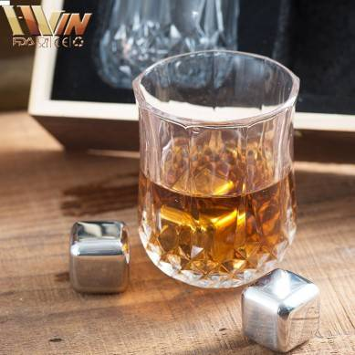 Stainless Steel Reusable Ice Cubes Chilling Stones with Tongs for Whiskey Wine Luxury Whiskey Stones Gift Set Set of 6 Whiskey