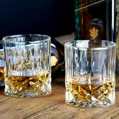GLASKEY Whiskey Glass Set of 4-7.5 oz Lead Free Crystal Old Fashioned Glass, Cocktail Cool Rocks Glass Tumbler for Bourbon, Irish Whisky, Brandy and More, Scotch Glasses