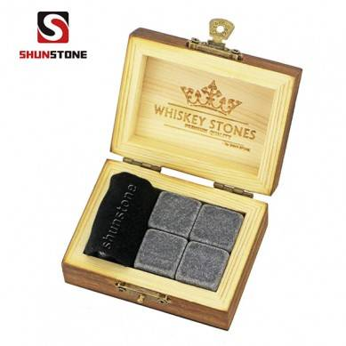 new arrivals 2019 amazon 4pcs of Mongolian black whiskey stone and black velvet bags into Outer Burning Wood Box high quality