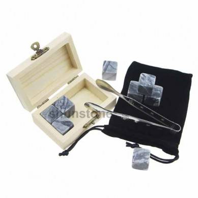 4 pcs of reusable ice stones popular and Cheap Whiskey Stones Gift Set with Velvet Bag small stone gift set