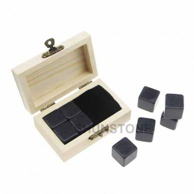 Promotional Gift Item 4pcs of Reusable Grey Ice stone high quantity and Cheap Whiskey Stones Gift Set with Velvet Bag small stone gift set