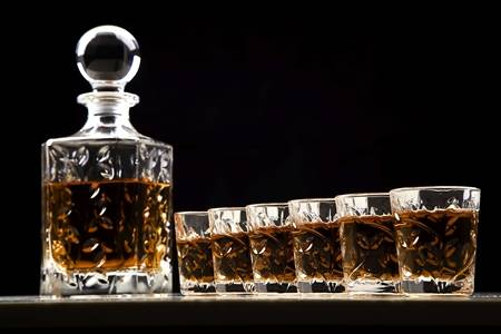 Whiskey Glass & Gifts