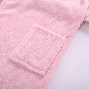 Chinese Professional Polyester Hooded Microfiber Bathrobe -