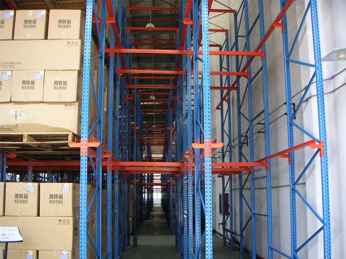 What Are The Matters When Using Drive Through Pallet Racks?