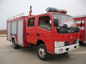 DONGFENG 1-3cbm water tanker fire fighting truck
