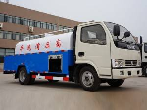 DONGFENG 4-6cbm jetting cleaning truck