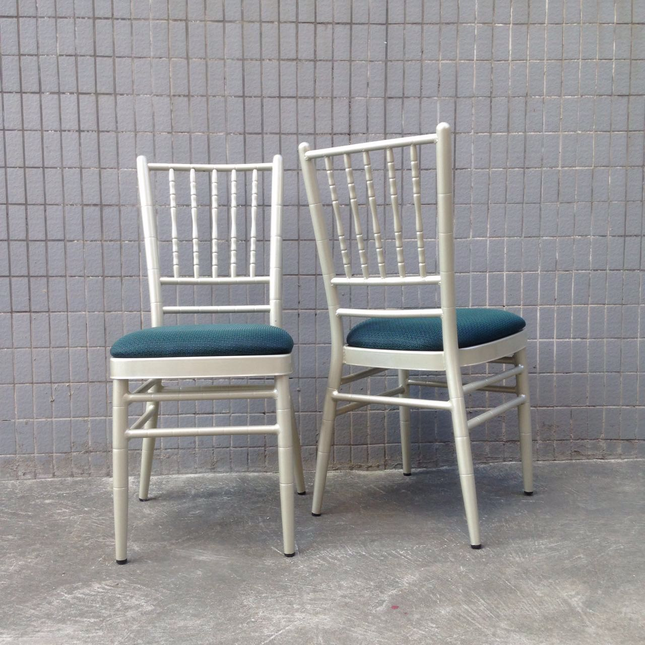 Best Price on Used Church Chairs For Sale -