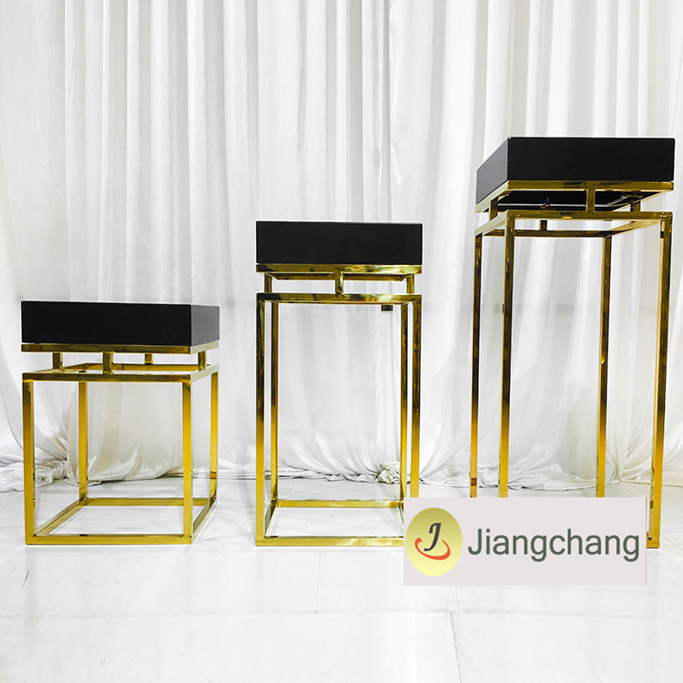 Modern and Fashion Gold Plating Flower Display Stand Wedding Decoration Flower Stand SF-Z028 Featured Image