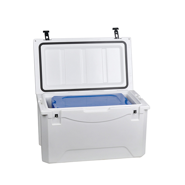 Rotomolded available ice chest cooler for 28L put into 80L Featured Image