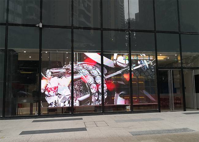 The difference between transparent LED screen and ordinary LED screen-selection guidance