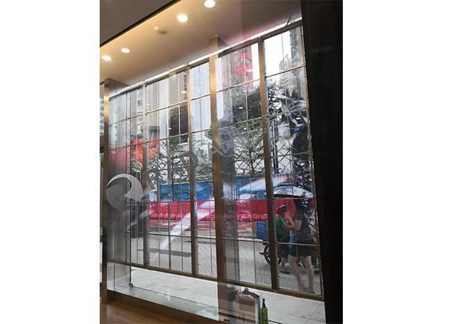 Transparent LED Screen: Implementation principle, Features, Advantages