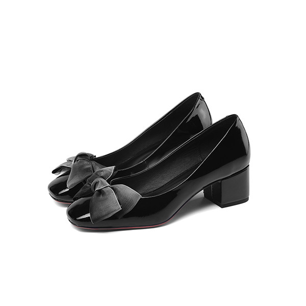 England Style Ladies Black Low-Heel Big Sole Shoes Featured Image
