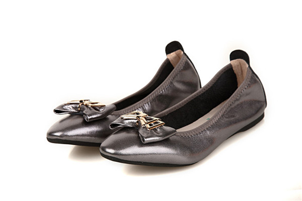 Nice Quality Grey-Plated Leather Folding Shoes Ladies Pointed Shoes With Bow Flower