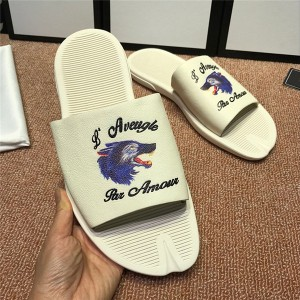 OEM Made Famous Brand Men Flat Comfort Slippers Outdoor Softe Sole Slippers