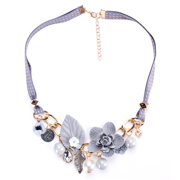 Light Purple Collarbone Chain Necklace Plastic Flower Leaves Necklace Women Fashion Necklace Female Bohemian Style Necklace