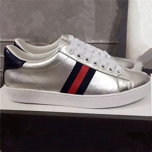 Hot Selling Silver Sheepskin Sneakers Lace Up Sports Shoes With Cloth Stripe