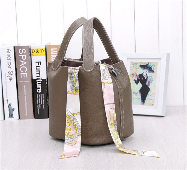 Many Colors Famous Designer Handbags Grey Cowhide Bucket Bag With Silk Scarf