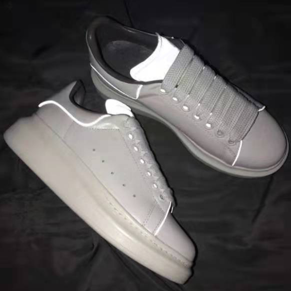 Best Quality Genuine Leather LED Shoes White Cow Skin Designer Sneakers Size 34 To 46