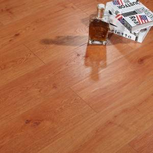 Moisture-repellent woodcore flooring