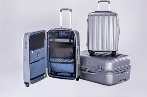 Advantages and disadvantages of hardside and softside luggage