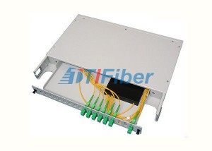 19 Inch Rack Mounted Fiber Optic Splitter Box bi SC / APC jiberbirina Fiber Splitter