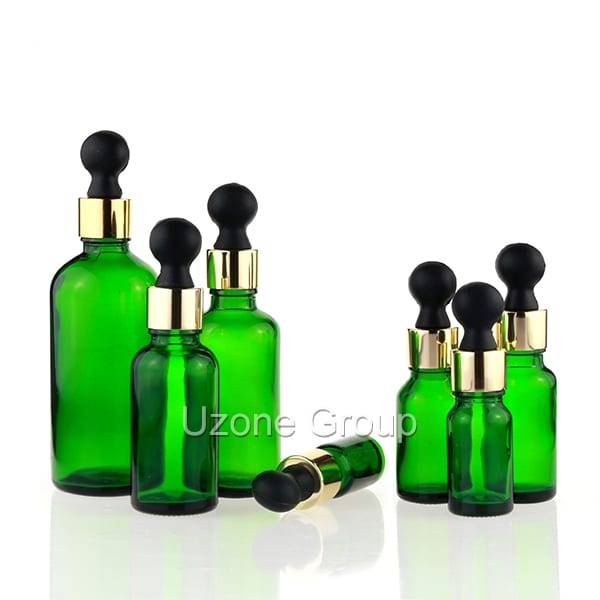 China New ProductDark Violet Glass Bottle With Black Sprayer -