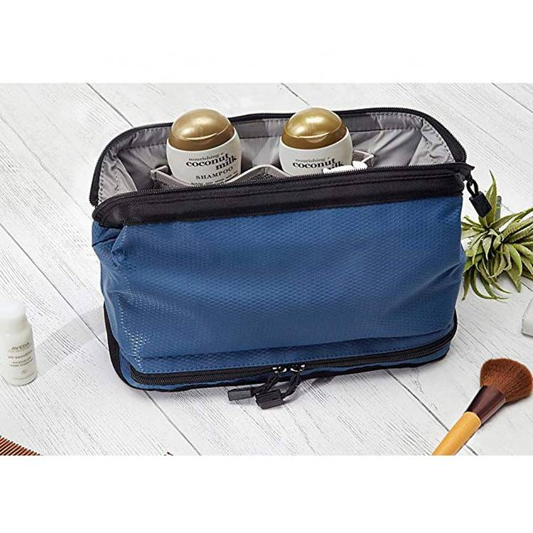 Hot sell 2019 Eco freindly Travel Toiletry Bag Shaving Dopp Kit Mens Toiletry Travel Bag Organizer
