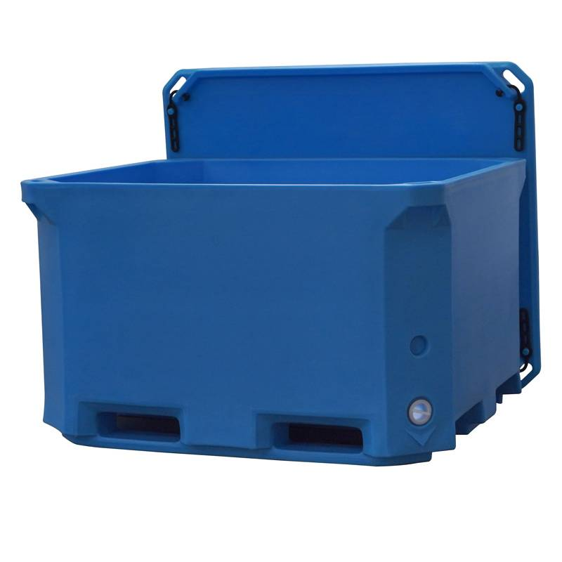 660L Rotomold fish container Featured Image