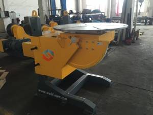 Electric-pneumatic lifting welding positioner for tilting motor