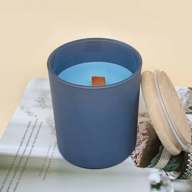 Natural aromatherapy wood wick scented soy candle Featured Image
