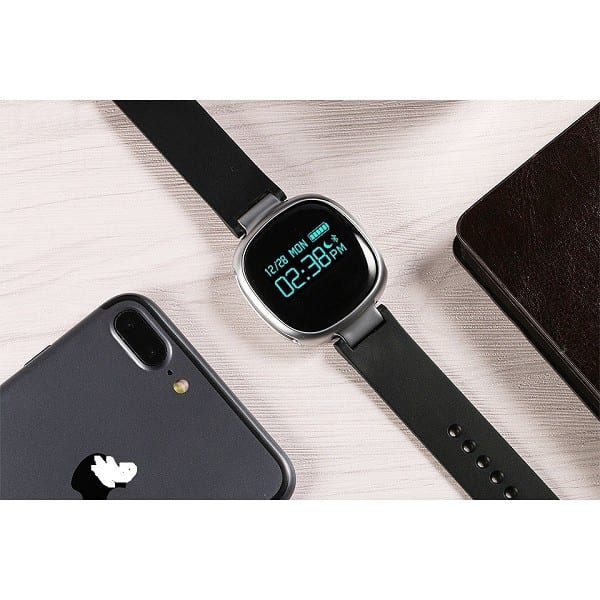 E08 Heart Rate Monitor Waterproof Bluetooth Pedometer Smart Watch