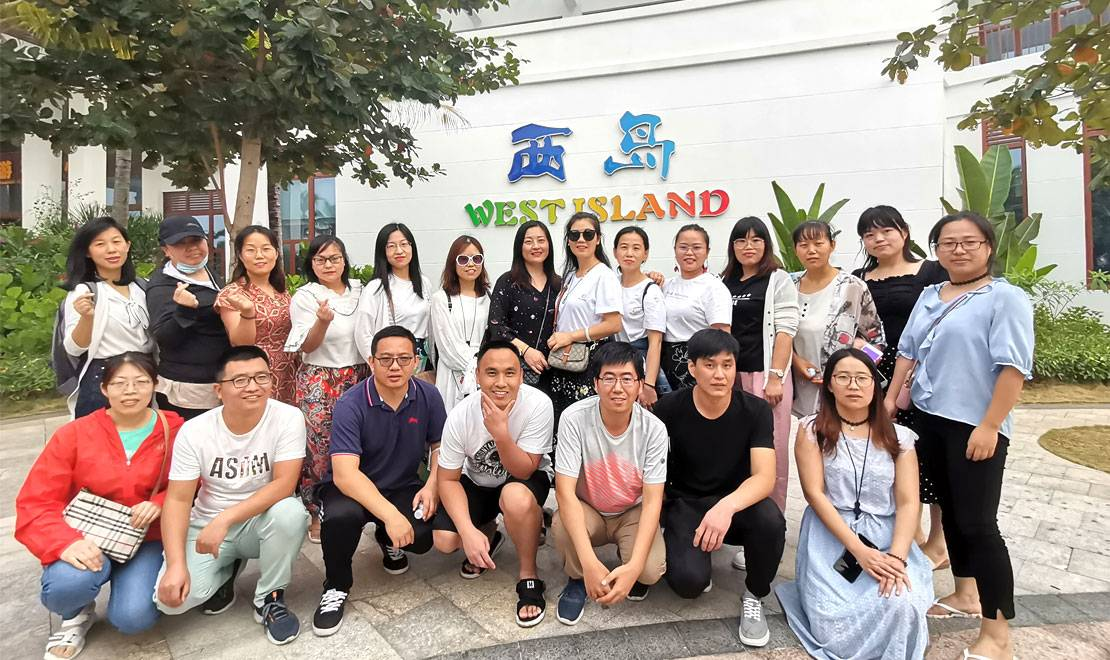 From December 17 to December 21, the company organized a tour in Sanya, Hainan Province. Everyone relaxed and adjusted their mentality. With a new journey and a new starting point, 2021 will achieve even better results.