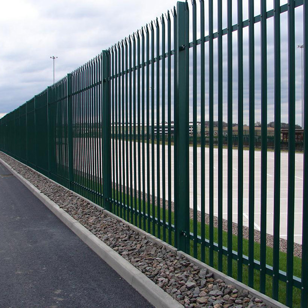 Palisade Fencing Featured Image