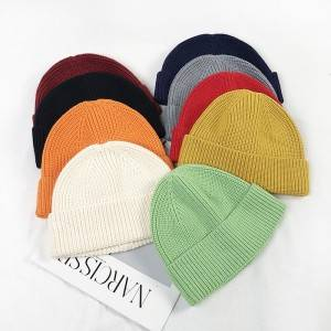 Fashion knitted hat wholesale custom design winter beanie in china