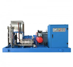 Jetting machine pressure drain with winch