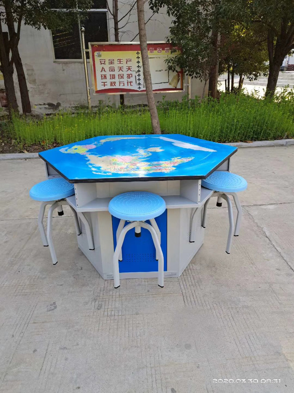hexagonal table for lab, split six-sided table and chair set, table for school lab, school Featured Image