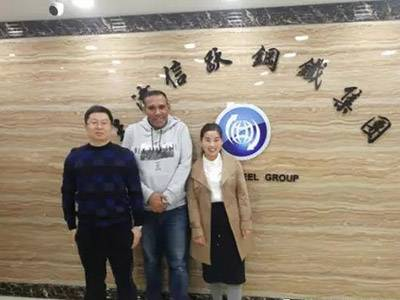 Welcome Kuwait contractor to visit XINYUE STEEL