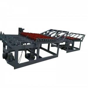 Log cutting saw feeder